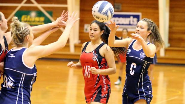 Timaru Girls' High Centre Cheynese King passing a ball. King has been there best each week and gained a spot on the bench.