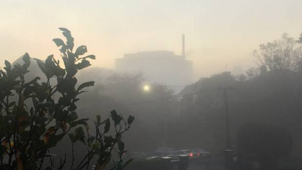 Flights at Auckland Airport delayed by fog