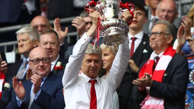 Arsenal shareholder Usmanov demands 'full support' for Wenger