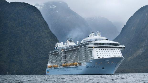 Wave Of Gastro Sweeps Through Huge Cruise Ship Turning Aussie - Huge cruise ship