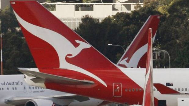 Passengers kicked off Qantas Perth flight over weight issue