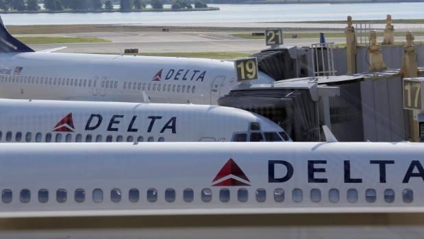 Delta Apologizes for Hushing National Anthem