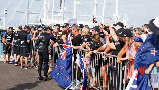 New Zealand capsize in America's Cup semi-final with Britain