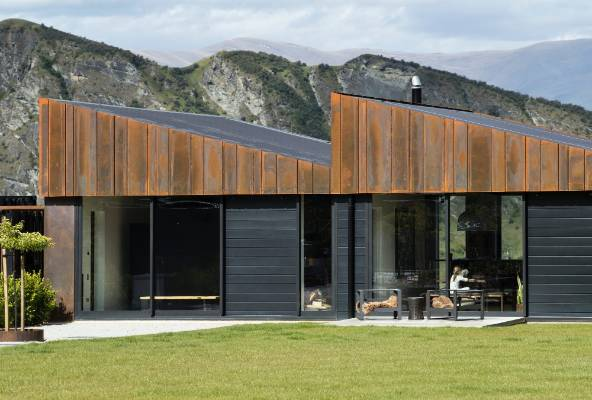 Housing category winners in the nzia southern architecture awards include the sawtooth house by assembly architects