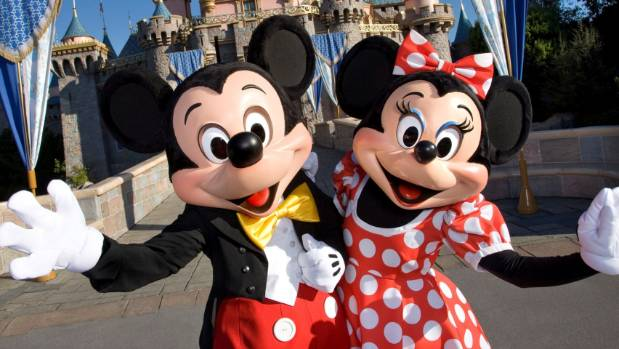 Disneyland to pay its California workers $15 an hour