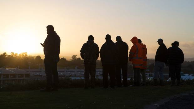 As the sun rises, people line up to be first through the gates at Fieldays 2017.