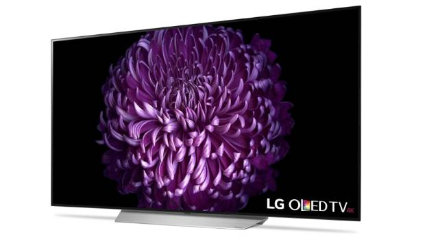 LG 65C7 smart television has a lot of features along with a high price.