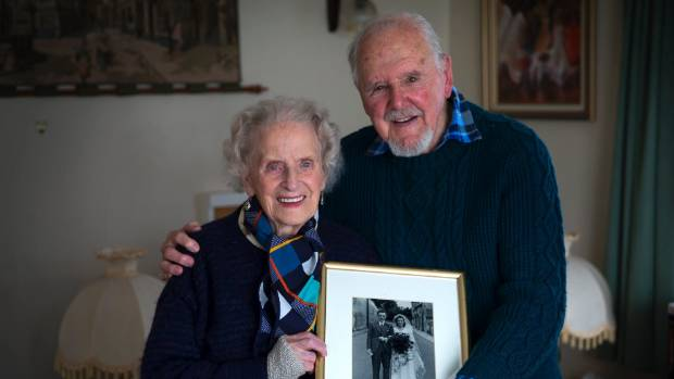 Cyril and Beryl Norris met in England and move to New Zealand together.
