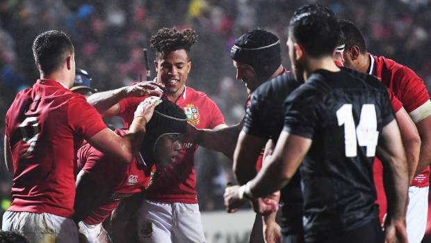Lock Maro Itoje scores a try and it's a happy Lions team on the way to a convincing win over New Zealand Maori.