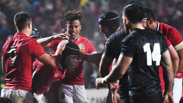 The Lions celebrate Maro Itoje's try in the 32-10 win over New Zealand Maori.
