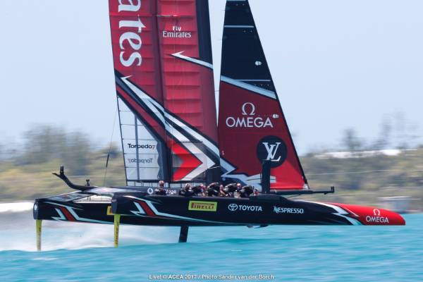Team NZ power away in race three of the America's Cup final.