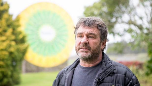 Grower Craig Jeffries lost his orchard because of Psa.