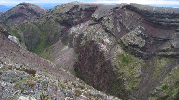 Zircon crystals from Mt Tarawera are helping scientists understand magma and how it behaves in the lead-up to an eruption.