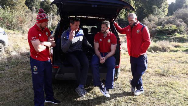 Land Rover ambassador Will Greenwood (second left) talks to Justin Tipuric, Tommy Seymour and James Haskell.