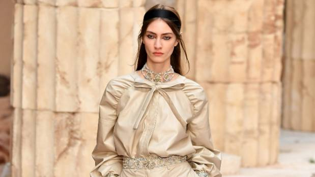 Neutral shades took centre stage in Chanel's Cruise 2017/2018 collection.