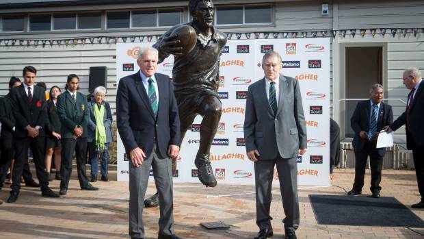 Stan, left, and Sir Colin Meads together unveilled the statue in Te Kuiti on Monday.