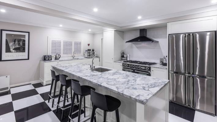 Black And White Kitchen Packs Plenty Of Visual Punch Stuff Co Nz