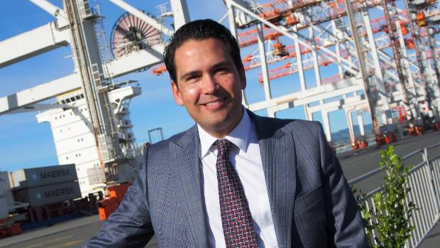 Transport Minister Simon Bridges revealed a plaque to celebrate the one millionth container processed by Tauranga.
