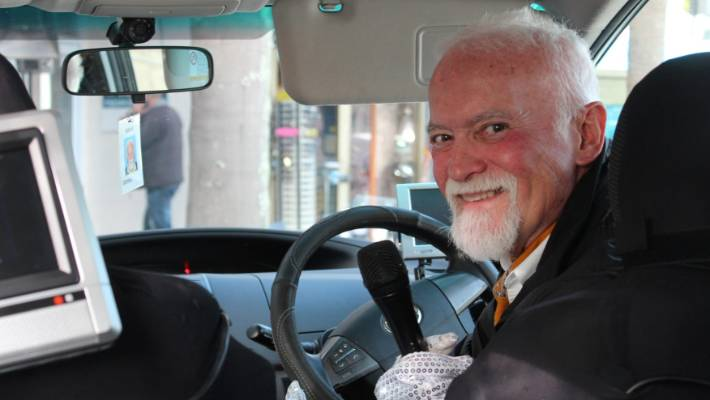Auckland Karaoke Taxi Offers A Party On The Way To The Party Stuff