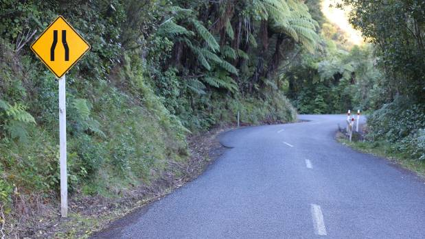 A section of the Marlborough Sounds road.