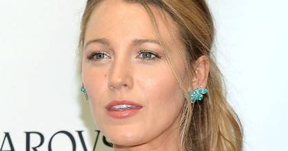 Actress Blake Lively is known for her natural makeup looks and directional style.