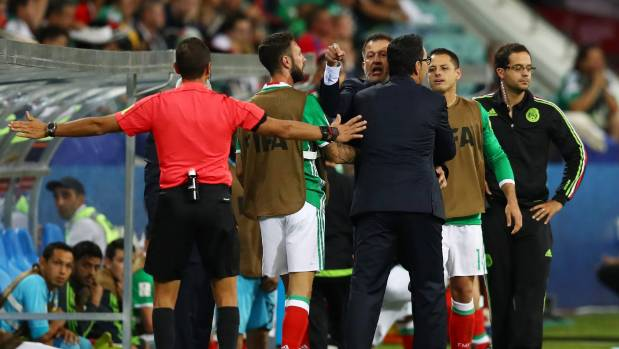 Mexico coach sorry for cursing on camera in win
