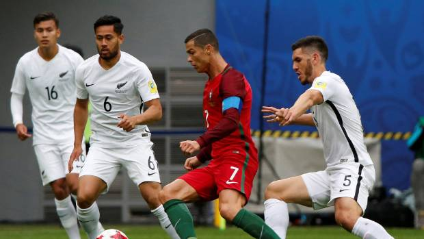 Chile out to curb Portugal's Ronaldo in Confederations Cup semi