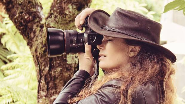 Mandi Lynn battled against the odds to be a photographer and now is a self-taught, award-winning one.