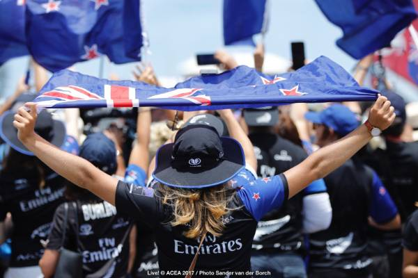 Team NZ fans cheer in Bermuda.
