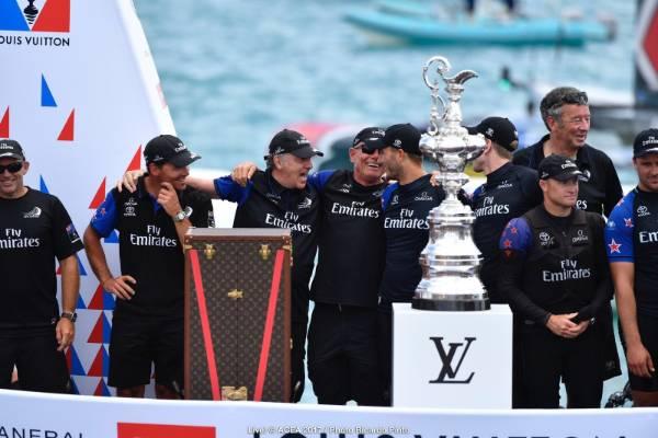 Team NZ prepare to lift the Auld Mug.