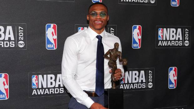 Durant congratulates Westbrook on MVP victory