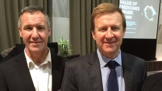 Dr John Ashton (L), shown with health minister Jonathan Coleman, says cannabis can help with mild pain relief.