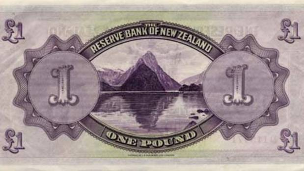 The 1933 one pound note featured a picture of the Mitre Peak.