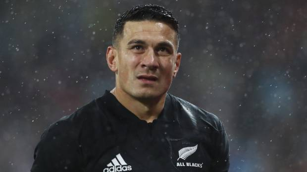 Sonny Bill Williams of the All Blacks walks off the pitch after being shown the red card by referee Jerome Garces.