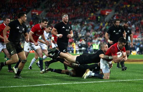 Conor Murray of the Lions scores his side's second try.