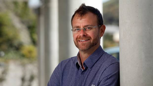 Veteran anti-sugar lobbyist and dentist Rob Beaglehole has called for a sugary drinks tax to help combat the epidemic of ...