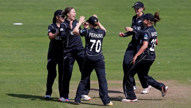 White Ferns semi-final hopes kept alive