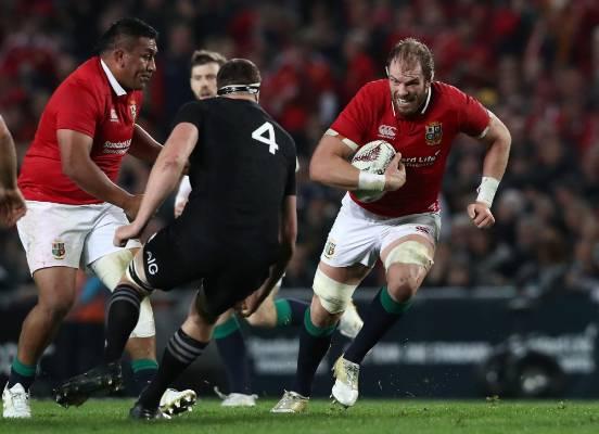 Alun Wyn Jones of the Lions charges towards Brodie Retallick.