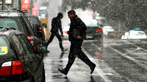 People crossing The Terrace, Wellington City in the snow in 2011.
