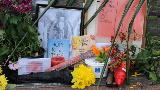 Tributes have been left on the Onehunga bench where rough sleeper Keith Johnson was found dead.