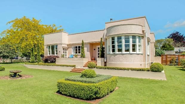 Art Deco Landmark On SH27 Up For Sale