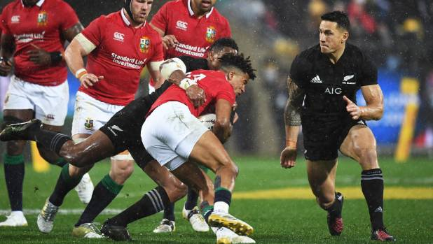 Steve Hansen is backing Sonny Bill Williams despite his red card against the Lions.