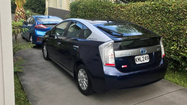 The first 1000km in our Toyota Prius PHV  Stuffconz