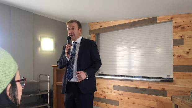 Health Minister Jonathan Coleman was sympathetic to sufferers of surgical mesh complications at the meeting in Beach ...
