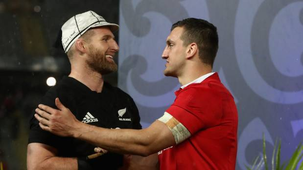 Kieran Read, left, and Sam Warburton exchange pleasantries at the end of the drawn series.