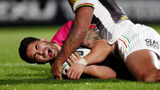 Shaun Johnson left the field with a leg injury in the second half against the Panthers.