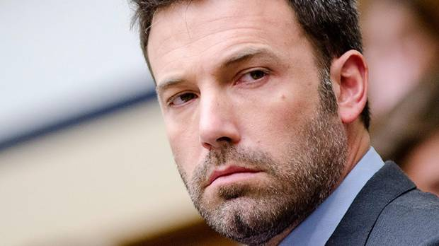 Ben Affleck debuted his new relationship with SNL producer Lindsay Shookus.
