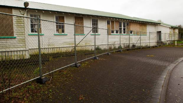 Tokoroa East School, disused and in rough shape.
