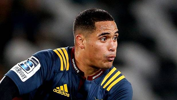 Waisake Naholo signs again with Highlanders for another year