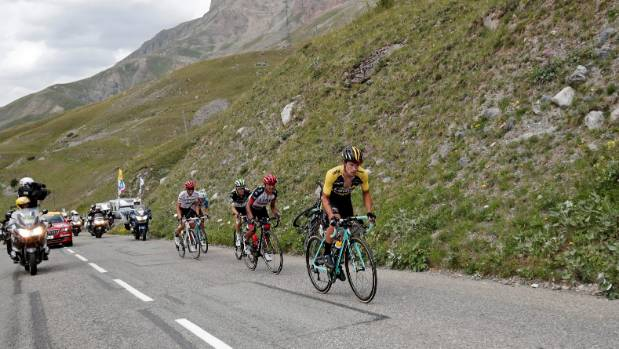 Froome says it's still all to race for as Bardet narrows gap